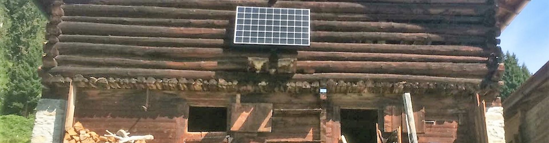 Photovoltaik Inselanlage für Maiensäss in Schlans